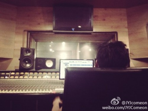 junsurecordingstudiojune2013