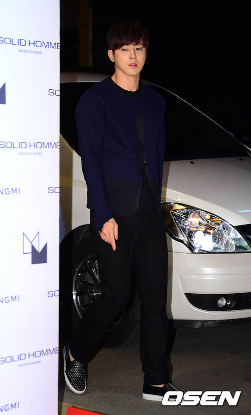 yunhosolidhomme12